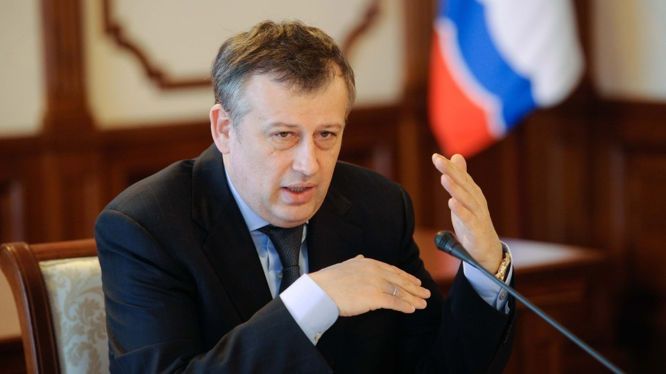 Gubernator-Leningradskoy-oblasti-predlozhil-otmenit-patentyi-dlya-zhiteley-DNR-i-LNR.jpg