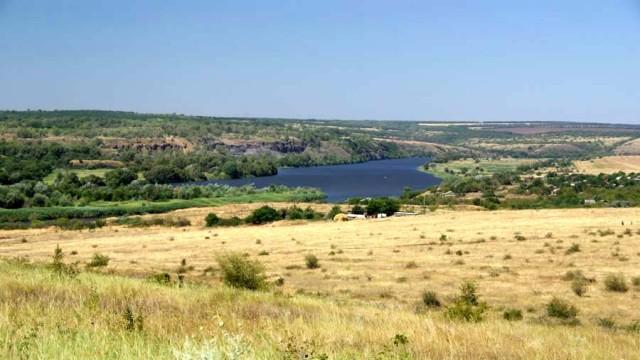 V-DNR-otkryilsya-landshaftnyiy-park---Donetskiy-kryazh--.jpg