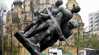 Польша узаконила снос памятников Красной армии