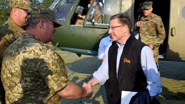Delegatsiya-gosdepa-SSHA-pribyila-na-Donbass.jpg
