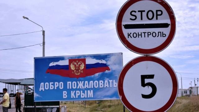 Turisticheskaya-blokada-chto-proishodit-na-granitse-Ukrainyi-i-Kryima.jpg