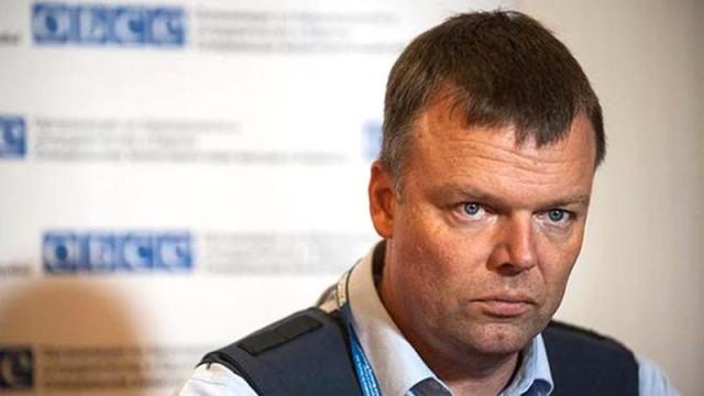 Hug-zayavil-o-gotovnosti-vstretitsya-s-A.Zaharchenko.jpg