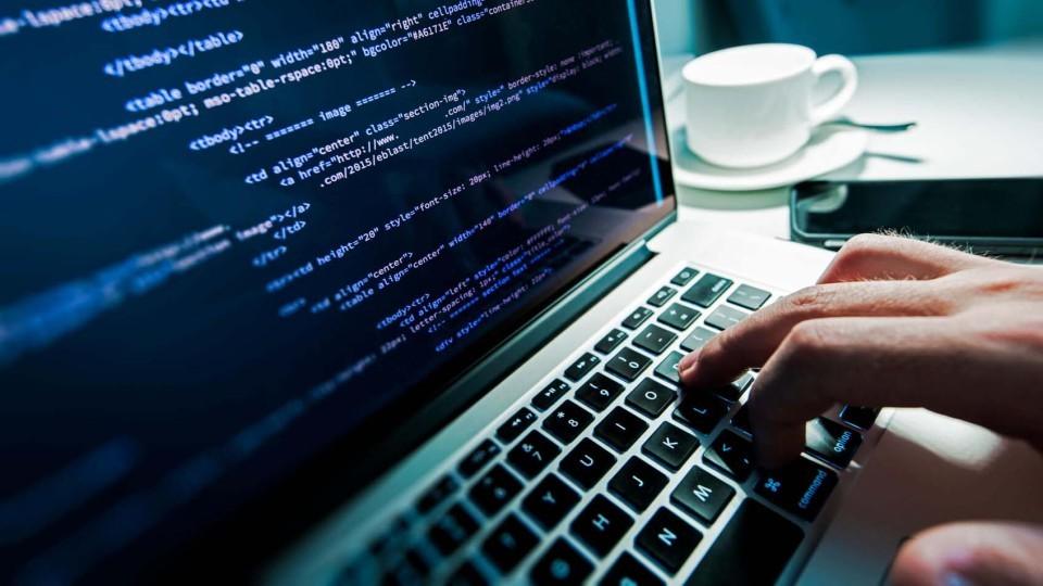 Ukrainskie-hakeryi-vzlomali-ofitsialnyiy-sayt-DNR.jpg