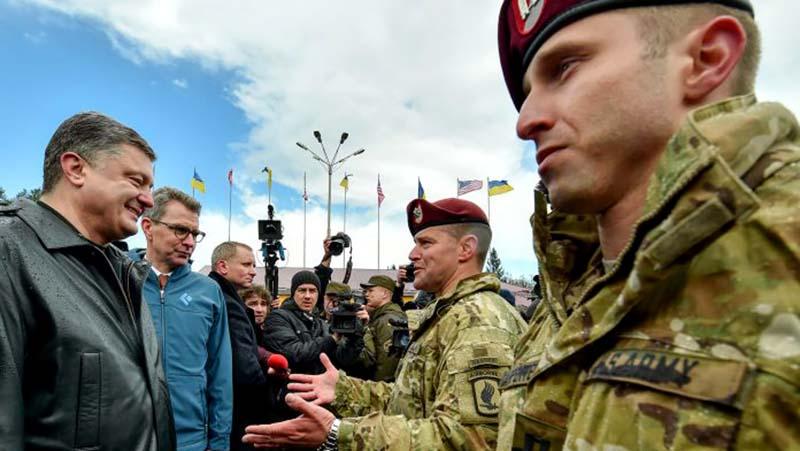 Poroshenko-podpisal-zakon-o-dopuske-inostrannyih-voennyih-na-Ukrainu.jpg