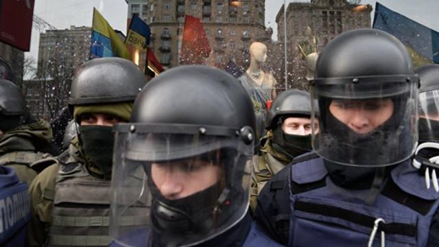V-pravitelstvennyiy-kvartal-Kieva-styanutyi-tyisyachi-silovikov-e1516098968478.jpg