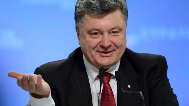 Poroshenko-prishlo-vremya-ES-pomoch-Ukraine-s-oruzhiem.jpg