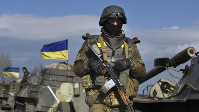 Ukraina-budet-provodit-voennuyu-operatsiyu-parallelno-s---ATO---e1520336698451.jpg
