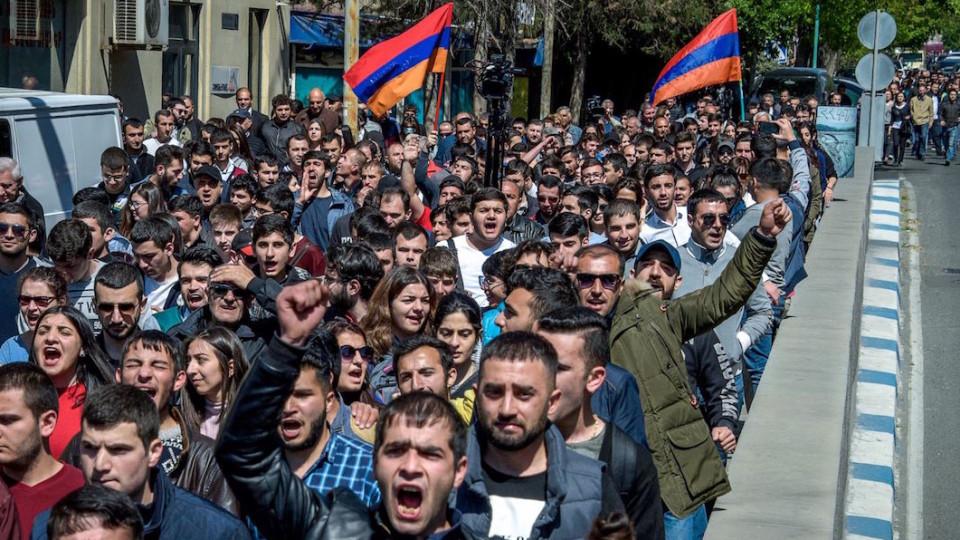 V-Armenii-zreet-gosperevorot-hronologiya-sobyitiy-e1524474388910.jpg