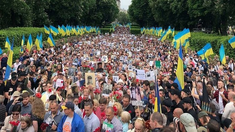 Kievu-ne-udalos-diskreditirovat-Den-Pobedyi-----MID-RF-e1526208355881.jpg