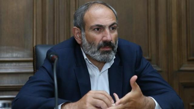 Pashinyan-stal-premer-ministrom-Armenii-e1525777503820.jpg