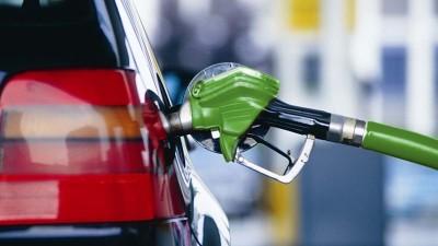 На АЗС подешевел бензин и газ