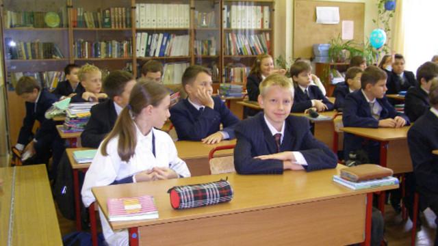 SHkolnaya-forma-budet-stoit-na-30-deshevle-----A.Granovskiy-e1526737630646.jpg