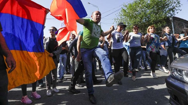 V-Armenii-perekryito-vsyo.jpg