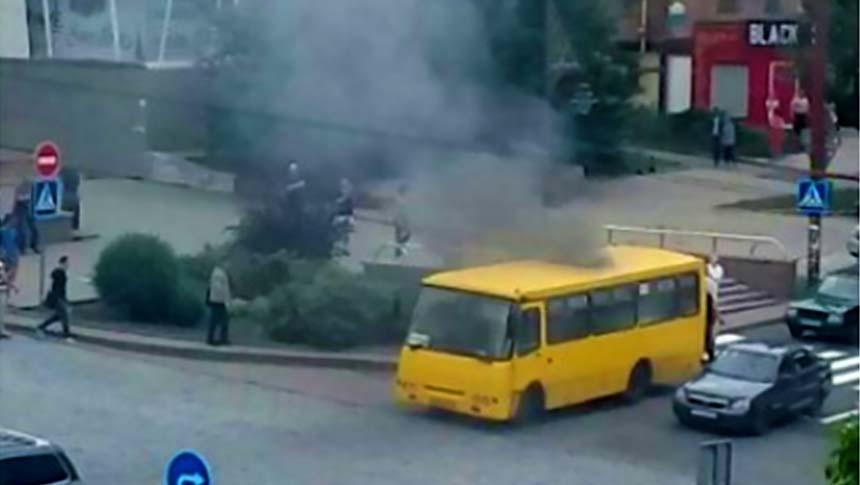 V-tsentre-Donetska-zagorelas-marshrutka-izvestnyi-podrobnosti.jpg