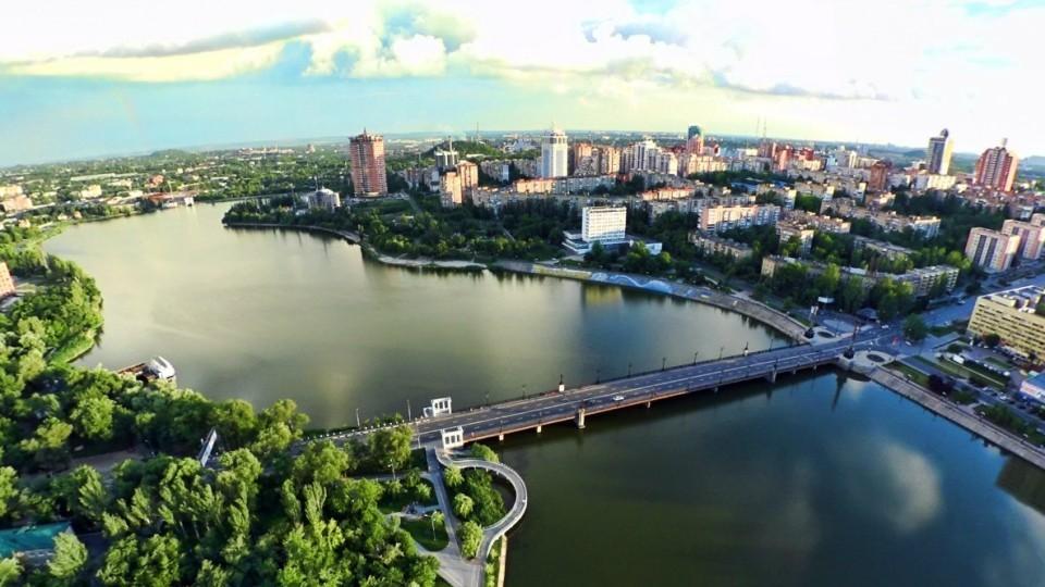 V-Donetsk-priehali-turistyi-iz-Kitaya-i-Kanadyi-e1530280088820.jpg
