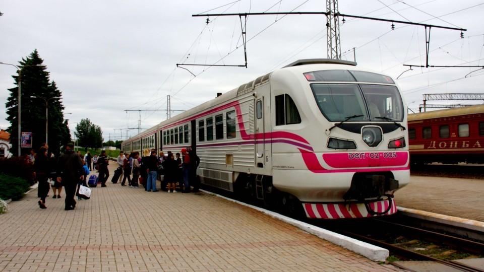 Kiev-potreboval-u-DNR-vernut-85-zhd-vagonov.jpg