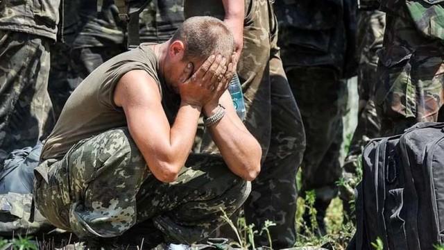 Ukrainskie-voennyie-massovo-razryivayut-kontraktyi-s-VSU.jpg