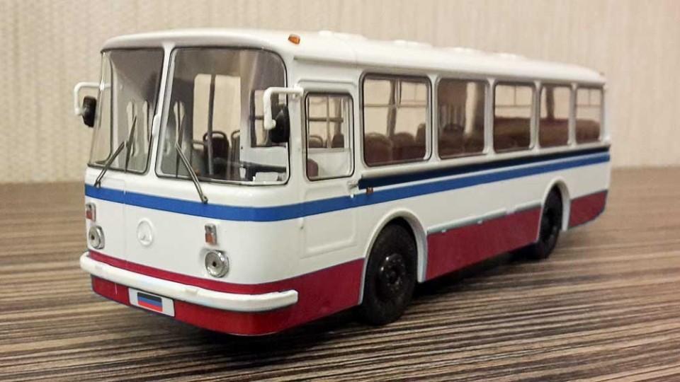 V-DNR-nachnut-sborku-reysovyih-avtobusov.jpg