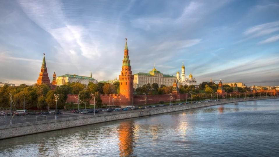V-Kremle-ne-podtverdili-fakt-vstrechi-Surkova-s-Pushilinyim-2-e1539180186902.jpg