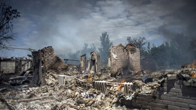Bolee-4-700-chelovek-pogibli-za-vremya-voynyi-na-Donbasse.jpg