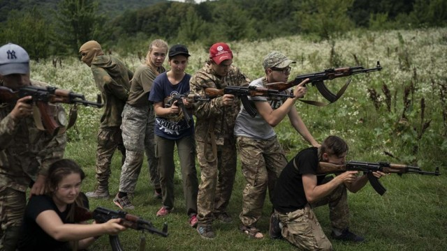 OON-proverit-informatsiyu-o-detskih-lageryah-pravyih-radikalov-na-Ukraine.jpg