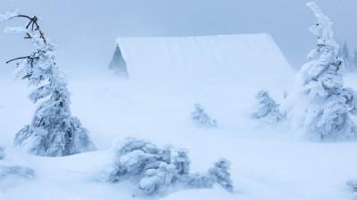 В Макеевке из-за снегопадов «замурованы» жители целого посёлка
