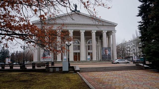 Teatryi-smogut-prodavat-e`lektronnyie-biletyi.jpg