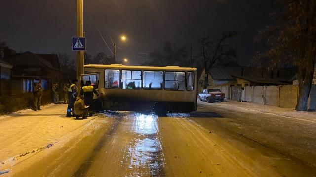 Makeevka-DTP-avtobus-28.12.20203.jpg